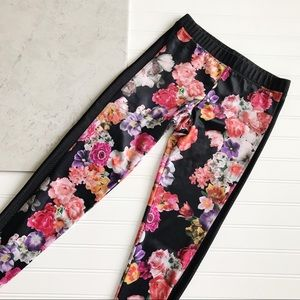 Onzie || Floral Mesh Panel Leggings Size S/M